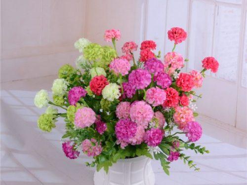 Aggiungi fascino alla tua festa con il fiore artificiale