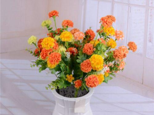 Cosa è meglio per la decorazione di interni? Fiori artificiali o fiori veri